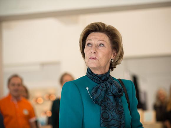 Hennes Kongelige Majestet Dronning Sonja - Tent London