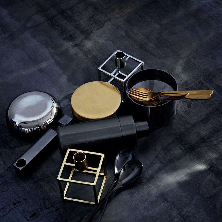 quadra-essen-meta-shining_kitchen