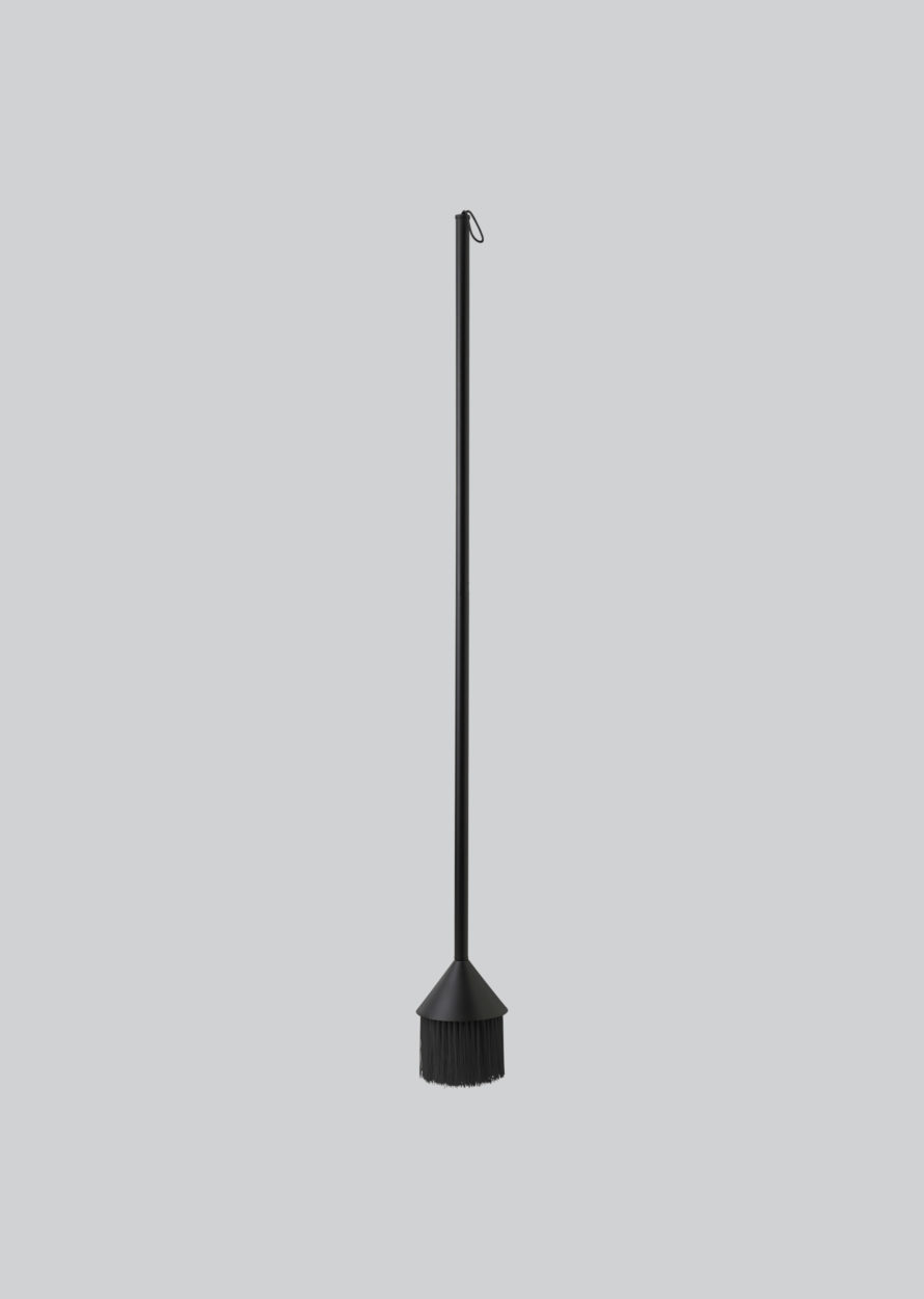 Northern_Mim_broom_black-890x1250